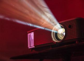 Czy warto kupić projektor multimedialny?