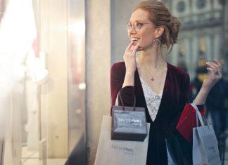Zakupy w sieci kontra shopping w galerii