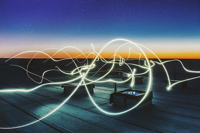 Współczesna hurtownia elektryczna spełnia wiele funkcji